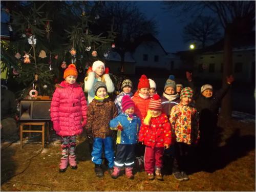 VII. rozsvěcení vánočního stromku